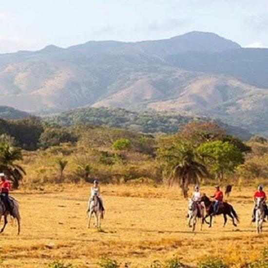 Hacienda Guachipelin Adventure Combo - Rincon de la Vieja Volcano Tour