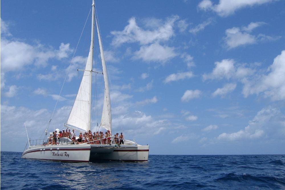 Marlin del Rey Catamaran Cruise Tour - Native's Way Costa Rica - Tamarindo Tours